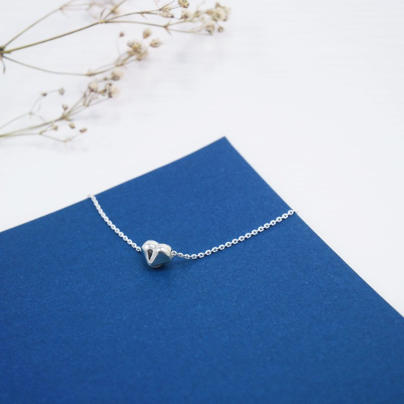 Geometric Wind Mini Love Heart Necklace