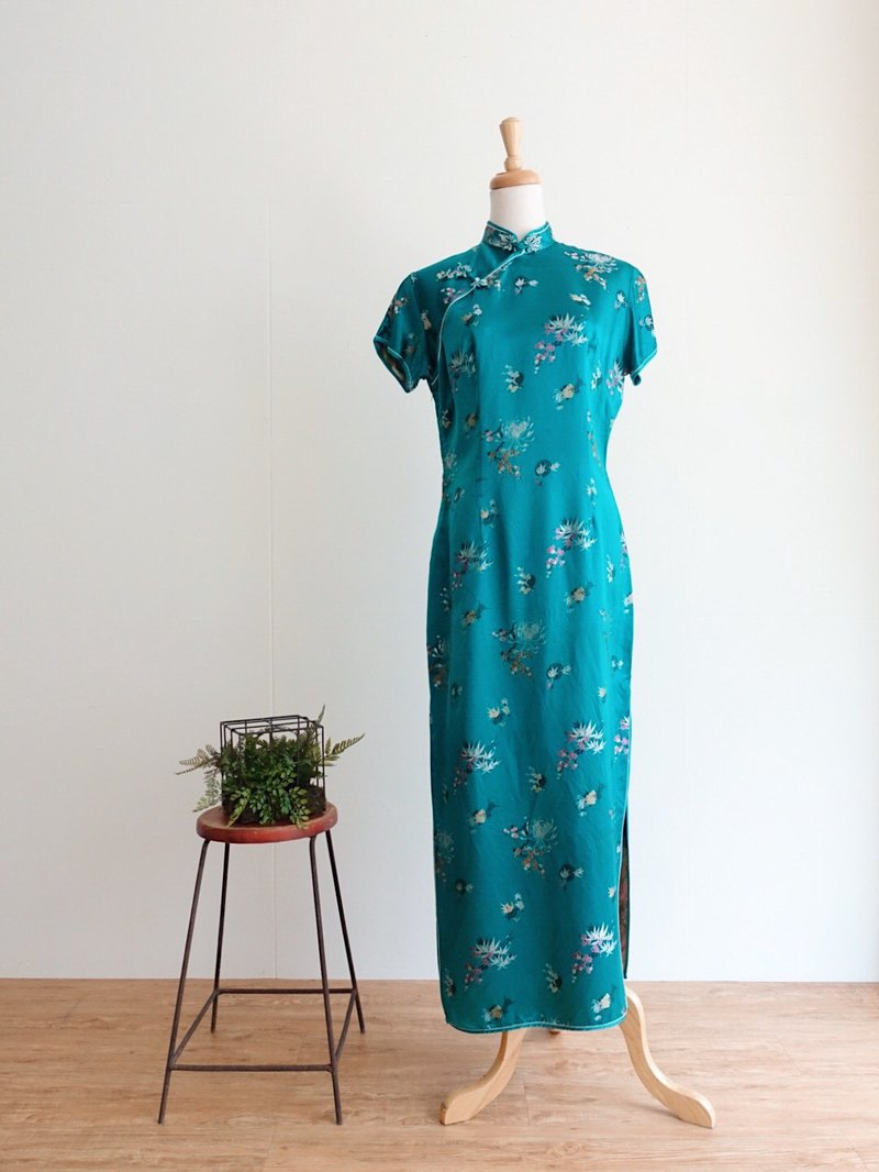 Vintage cheongsam / traditional no.8