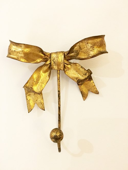 Bow-type paint steel ancient brass hooks Picks de Bea selection of American antiques