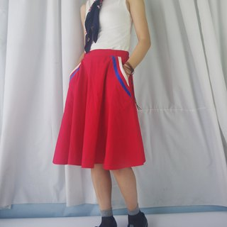 Treasure Hunting Vintage - 80s Red Cotton Sports Wind Roller Skirt