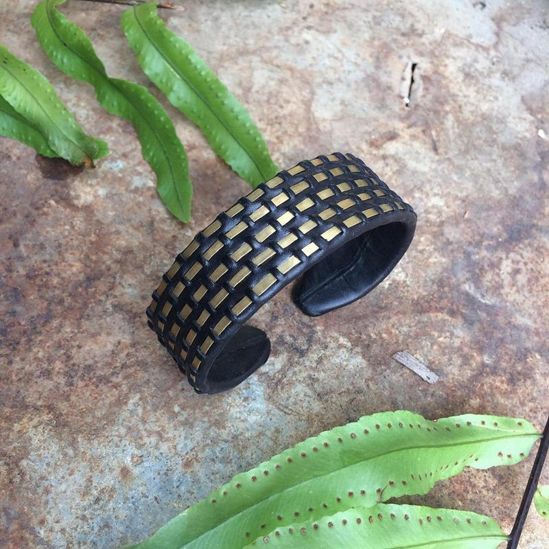 Unique Thailand traditional woven style. Woven Brass Cuff (Penta-wire)