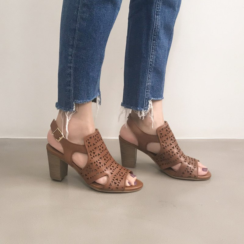 Limited product - micro-naked muscles! Terrazzo pierced high heel sandals fancy brown full leather