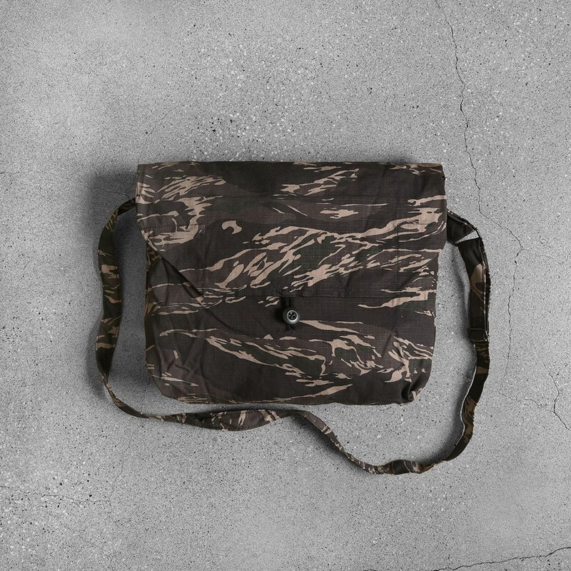 BDU fabric camouflage pouch
