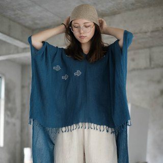 Flying bird | Lake blue cotton thorn embroidery V-neck loose blouse shirt pure hand-made plant blue dyed belt tassel