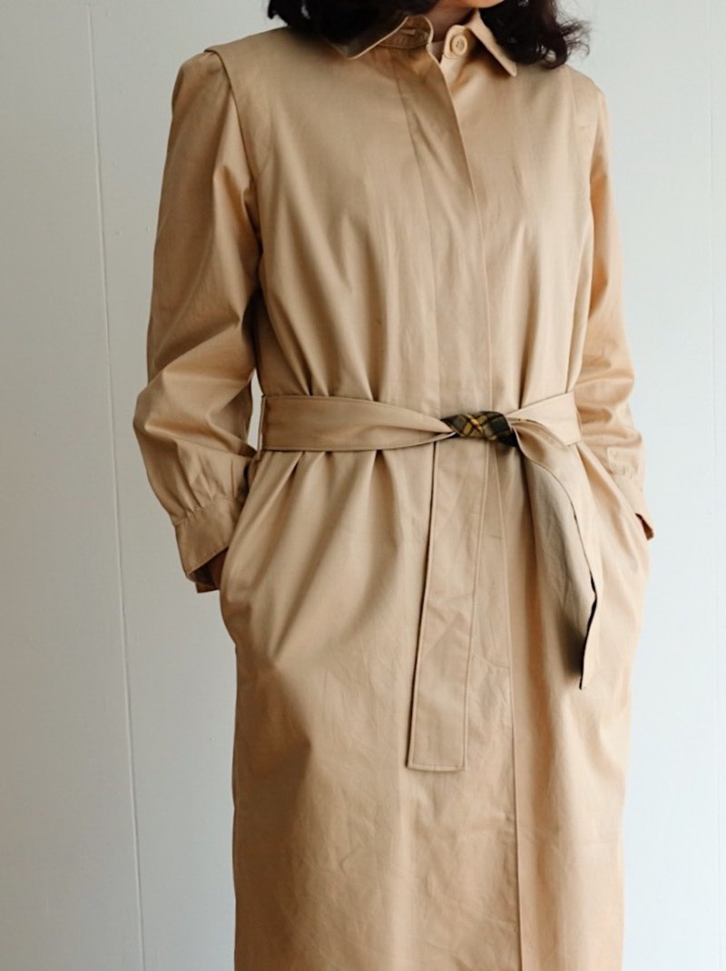 Vintage trench coat / no.13