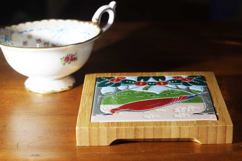 Taiwan Tile Bamboo Coaster---Foot of Love