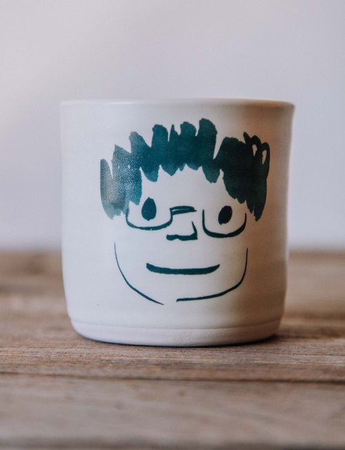 Brut Cake handmade ceramic – smiley face mug 240ml (4) , hand drawn face pottery cup. A great gift idea !