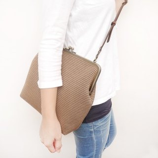 Big A Fei 25CM large capacity shoulder bag / mobile phone bag / mouth gold bag [made in Taiwan]