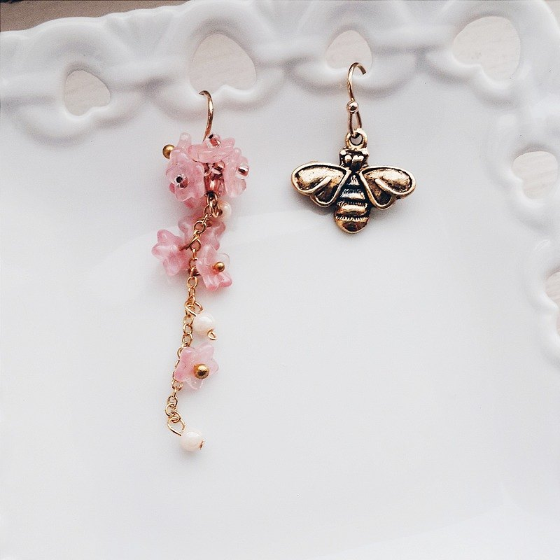 Momolico earring bee love concept can be clipped