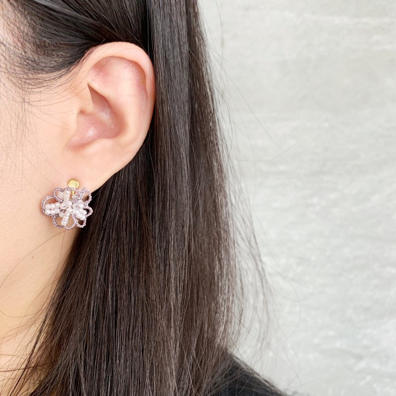 Handmade woven earrings / small flower ear clips
