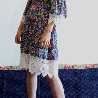 -Chicken Dock - Color Jumping Floral Off Shoulder Dress