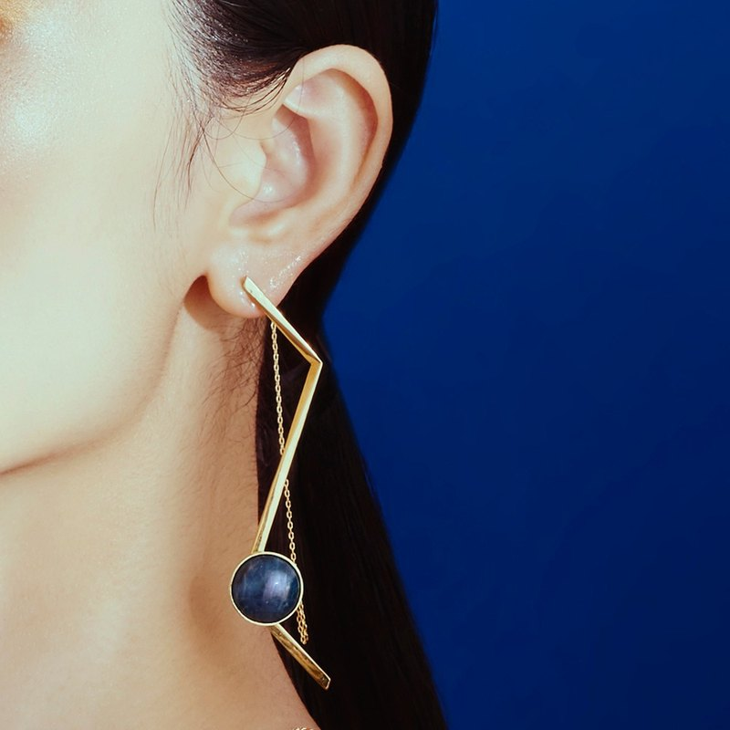 Gold geometric blue apatite magnetic buckle earrings