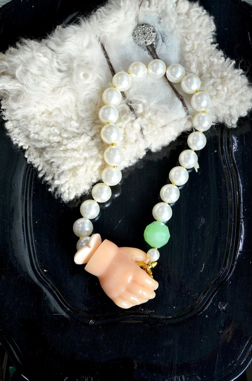 TIMBEE LO baby small hand gelatin pearl necklace green glazed stone