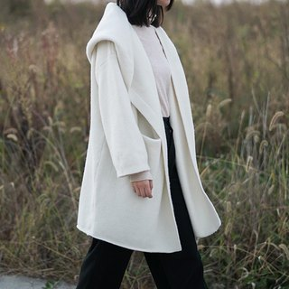 【Milk white】 alpaca wool blend oversize hooded coat loose lazy knit thick long version of College wind jacket fluffy soft and warm white is the color of winter | Vitatha original design Paita independent women's brand