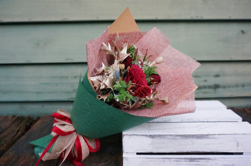 Fruit, silver leaf, celebration, christmas bouquet, green, packaging, dry flowers, no flowers, bouquet, wreath, fruit