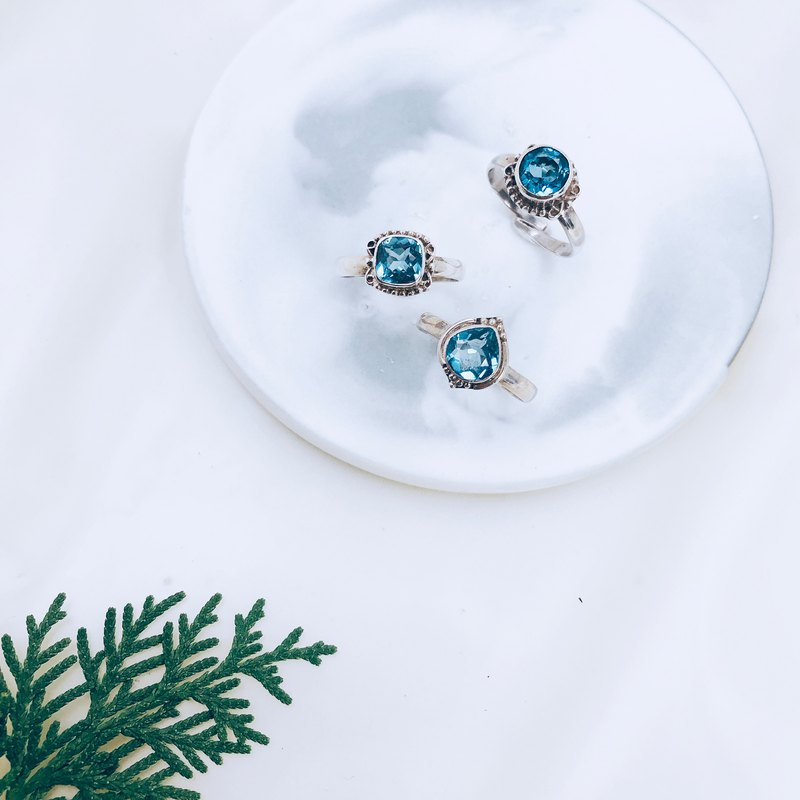 [Blue Topa Series] Small Topaz Ring