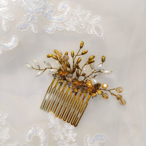 Wearing a golden flower earring series - bridal hair comb. French comb. Self-service wedding - sister