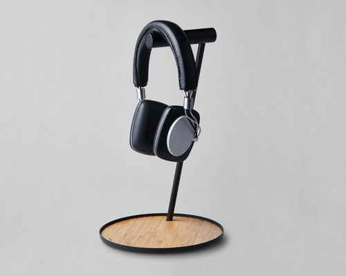 Bamboo Earphone Stand with platform