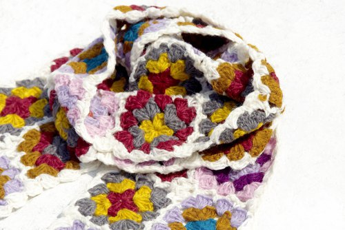 Christmas gift exchange gifts limited a handmade crocheted wool scarves / flowers crocheted scarves / crocheted scarves / hand-knit scarves / flowers woven stitching wool scarves - white stitching Nordic forest wind flower scarves