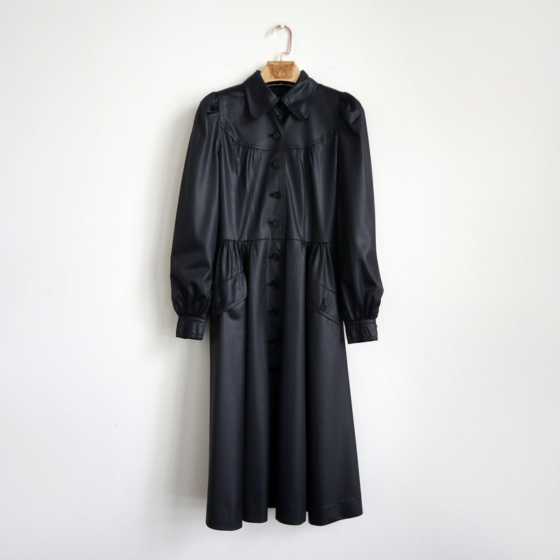 Pumpkin Vintage. Ancient black cool windbreaker style two dresses