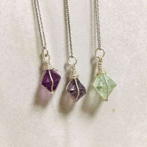 Single color fluorite silver necklace