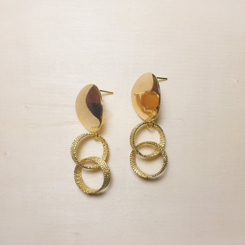 Oval Glitter Double Ring Earrings