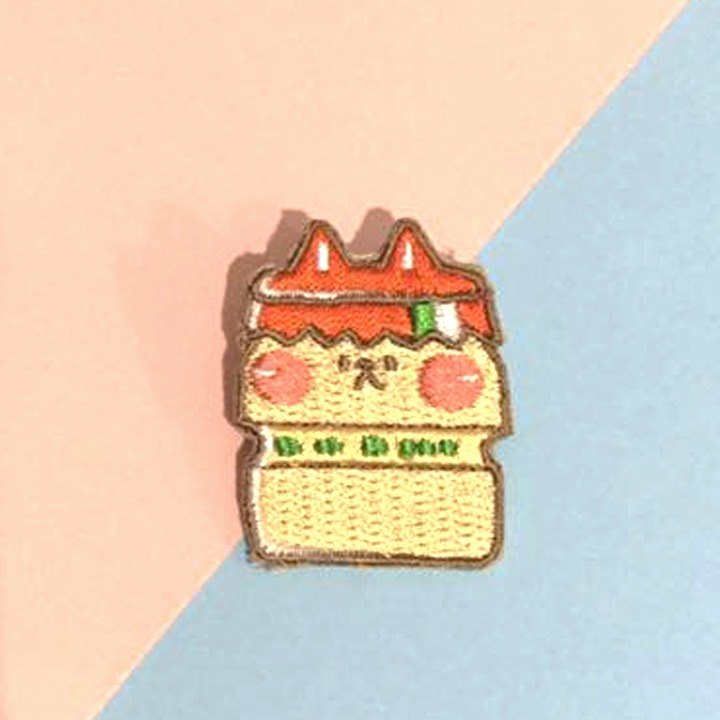 Dog Clipping Star / Original Embroidery Pin / Yakult Multi Cat