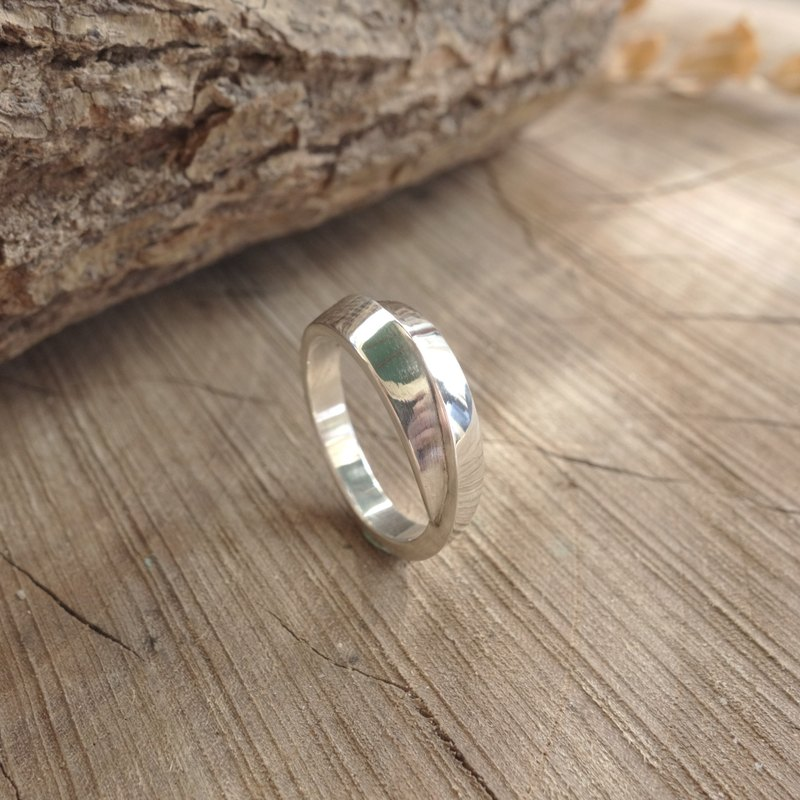 Sterling Silver - Embrace Ring