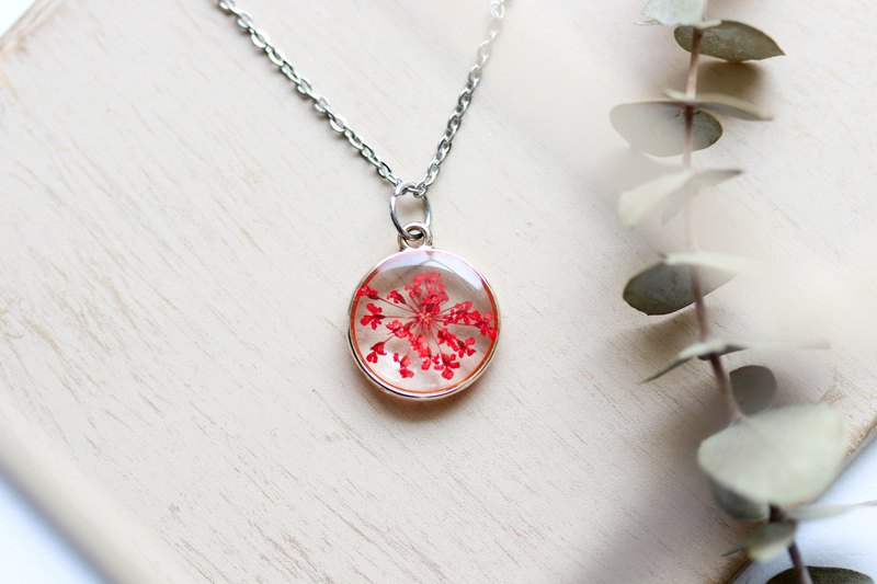 Ammi majus (Red) – Necklace bright 14 mm.