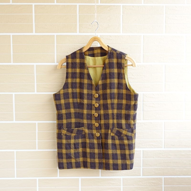 │Slowly │ college style pattern - ancient vest │ vintage. Retro