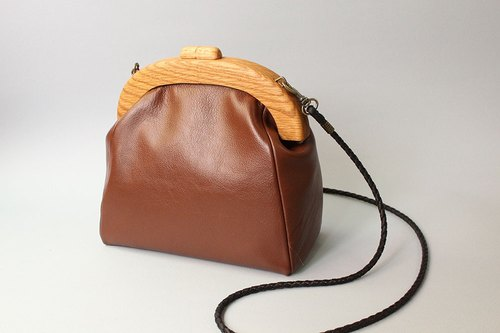 Sweet coffee / mouth gold leather bag / wood mouth gold / cross backpack / side backpack