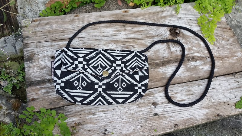 AMIN'S SHINY WORLD ethnic custom handmade ethnic fabric Quilted black and white seagull cover buckle BAG