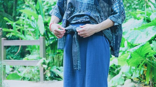 Muscle in the bamboo flower handle blue blue cloth / / tied flower skirt