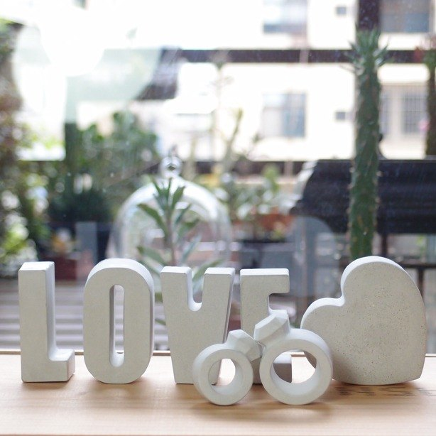 Fox Garden hand made LOVE / love / ring 7 piece wedding arrangement props