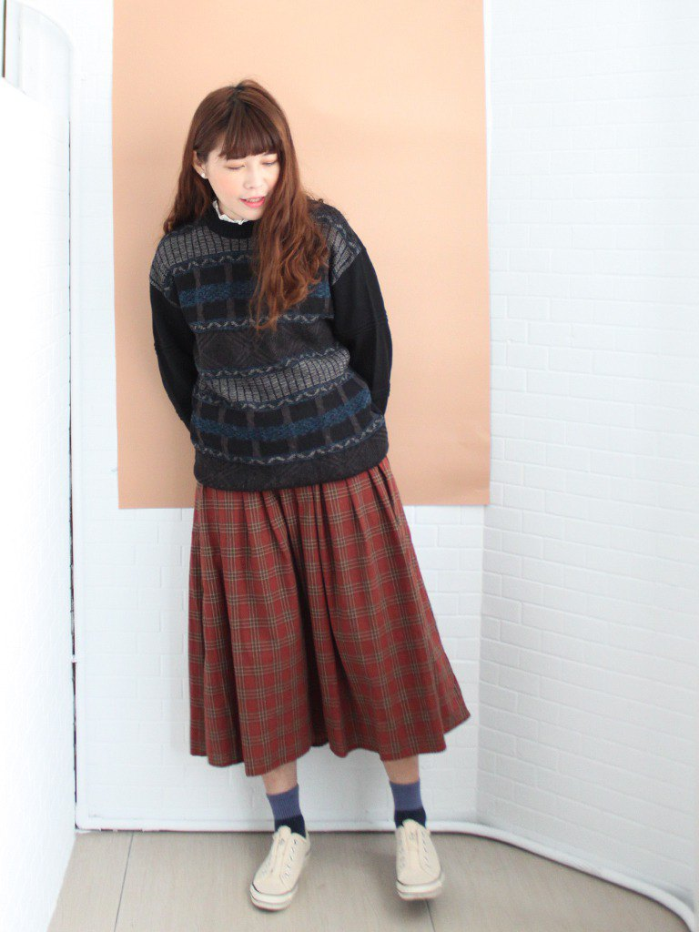 Retro autumn and winter Japanese-made blue-gray geometric knit black loose loose vintage sweater