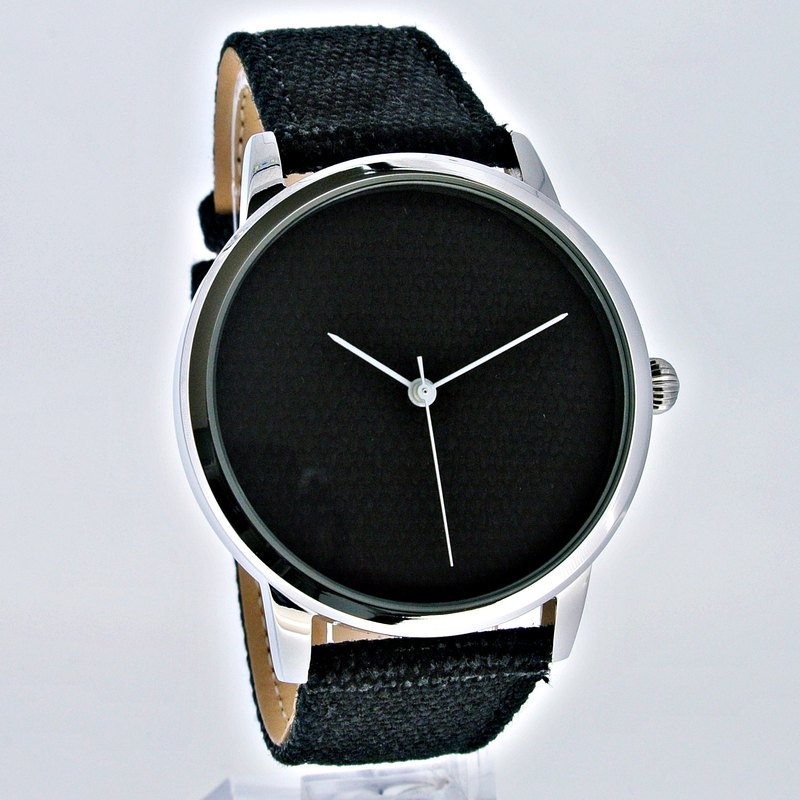 CATCH characteristics of ancient tannins watch (black)