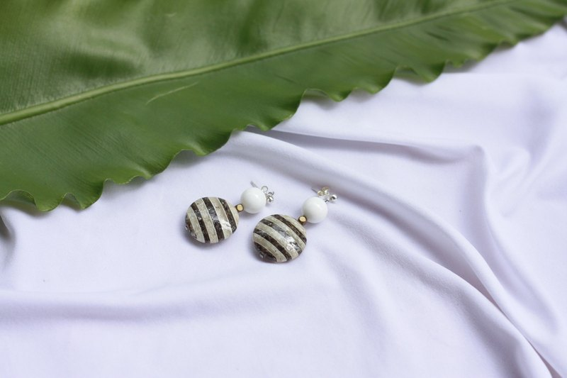 Striped Shell Round Earrings - 925 Sterling Silver Ear Pins