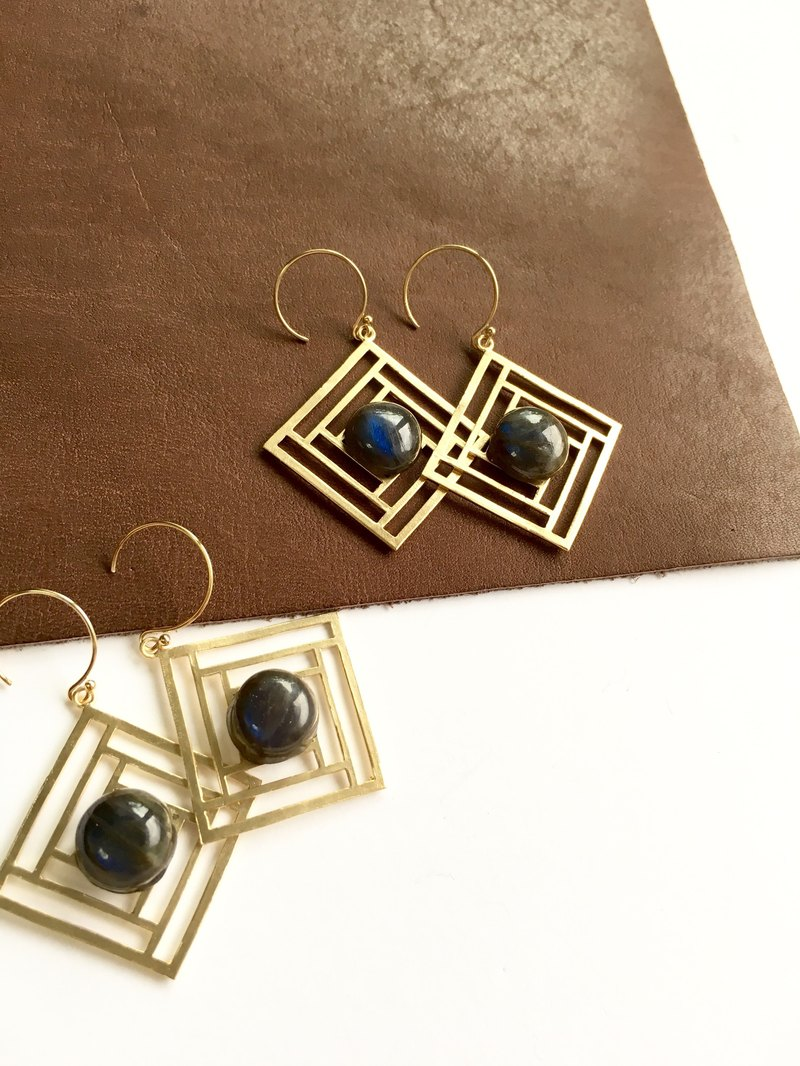 Blue Fire Labradorite ◇ hook-earring 14 kgf