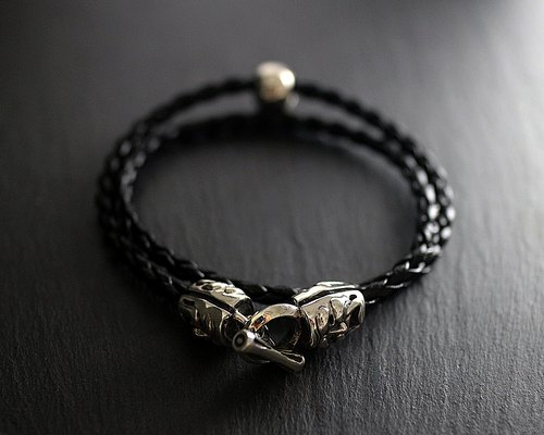 Pure silver crying smiley suede rope bracelet (black)