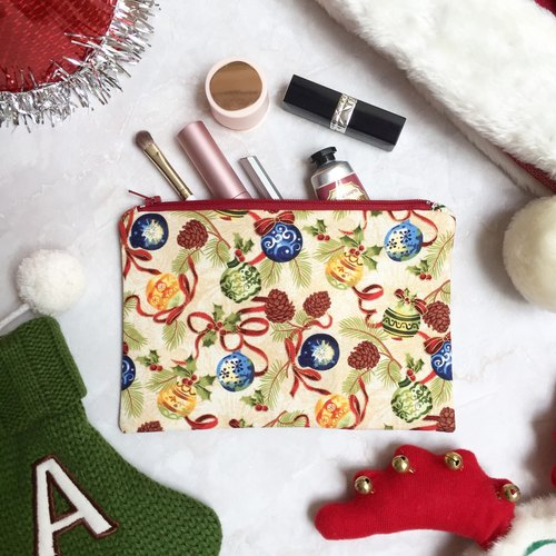 Small everyday zipper pouch in Christmas print