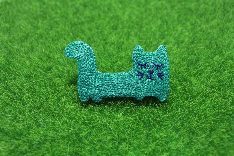 Embroidery Hand <Charm Four Colors Cats Pin - Green>