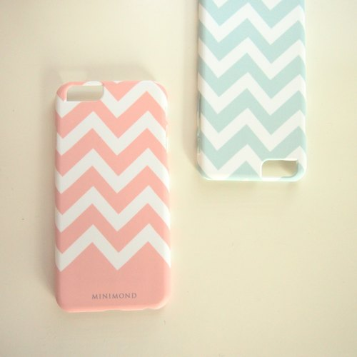 MINIMOND iPhone Case