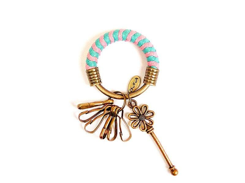 Key ring (small) 5.3CM lake water green + pink + flower key hand-woven wax rope customized
