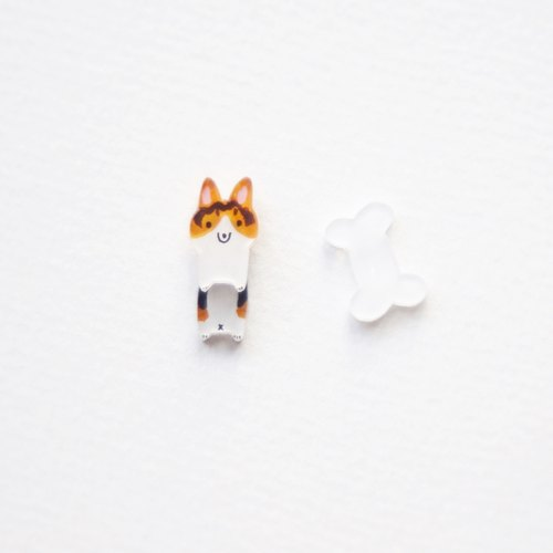 [Forest horn] domesticated king tricolor Corgi earrings / ear clip