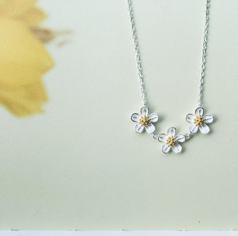 925 sterling silver / two-color cute • Xianfeng grass flower • necklace