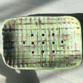The color of the criss-cross hand soap plate _ pottery soap dish