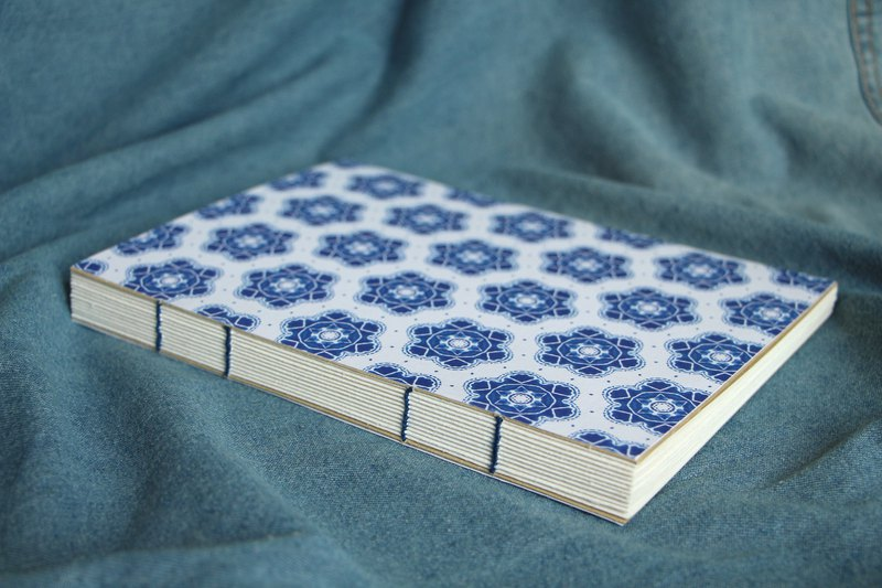 Blue and white pattern handmade book (six petals )