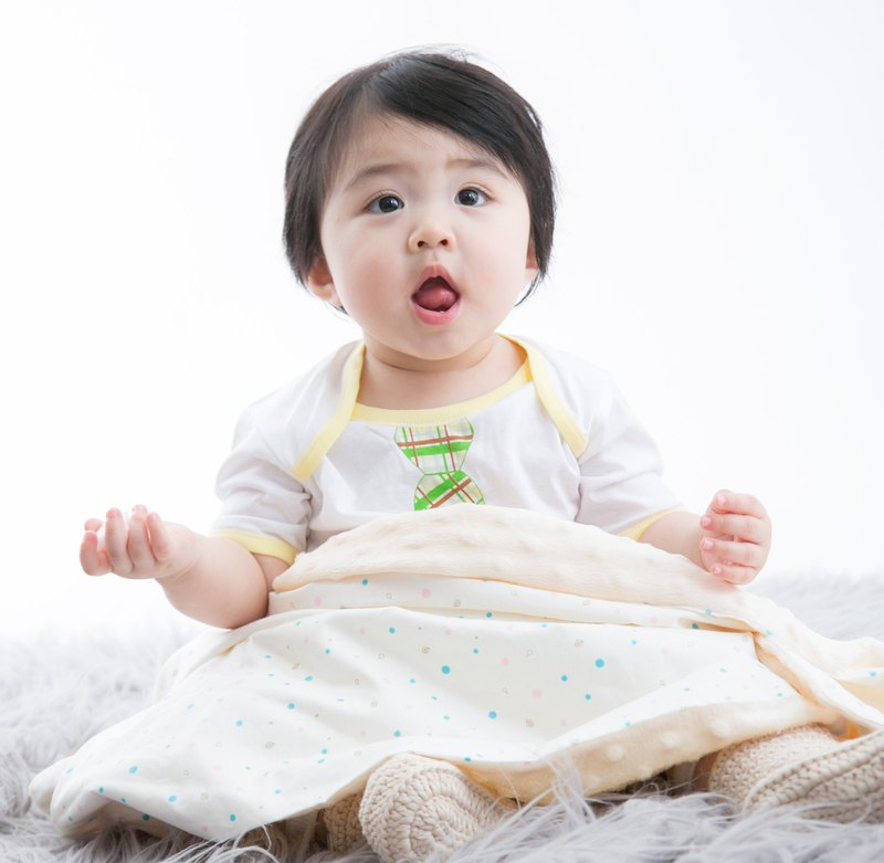 Minky multi-function point particle carrying blanket baby blanket cold air blanket is ivory beige - dot