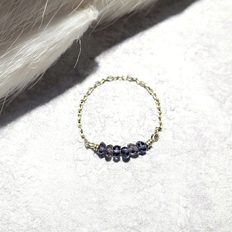 VIIART. Simple gem - indigo. Cordierite 14KGF Lavender Small Ring