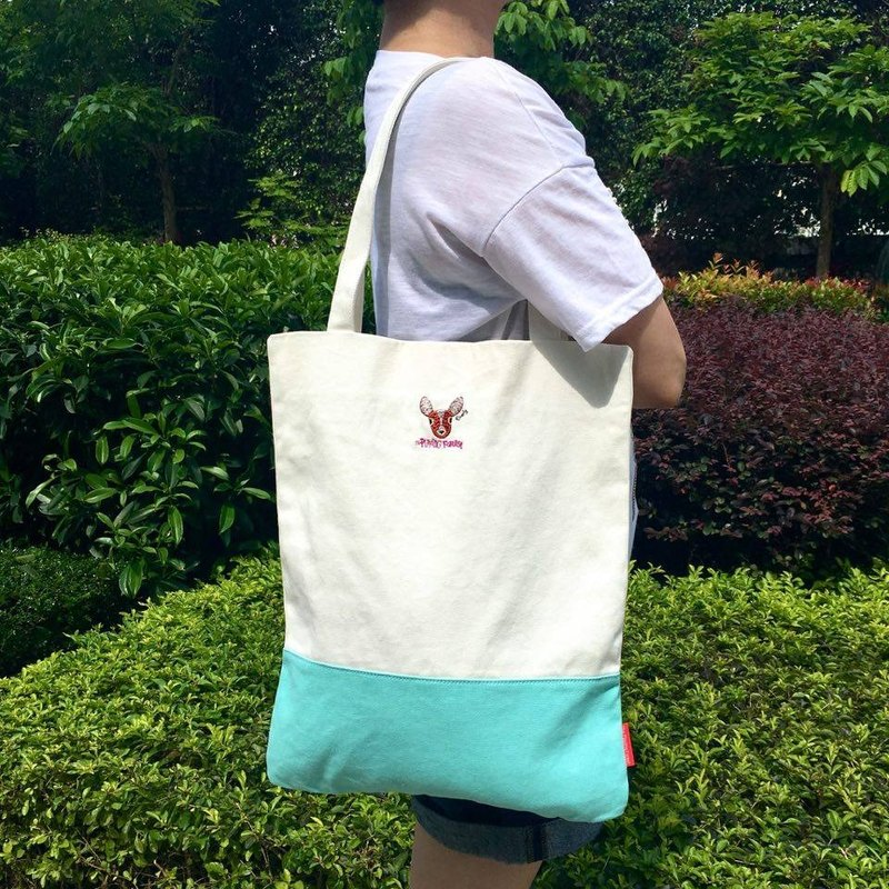 The. Playing. Forest-Deerly Embroidery Canvas Tote / White/Turquoise